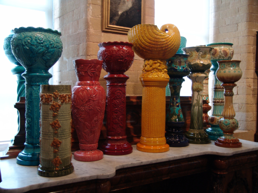 friday-fictioneers-istanbul-urns