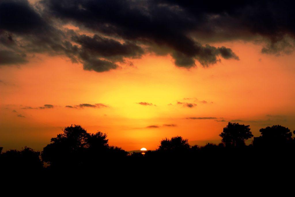 wanderlust-wednesday-blogiversary-churu-not-just-a-quaint-town-sunset