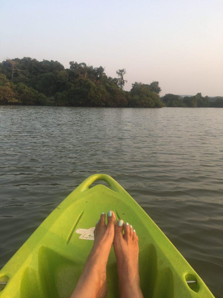 wanderlust-wednesday-dreamy-december-in-olaulim-backyards-kayak