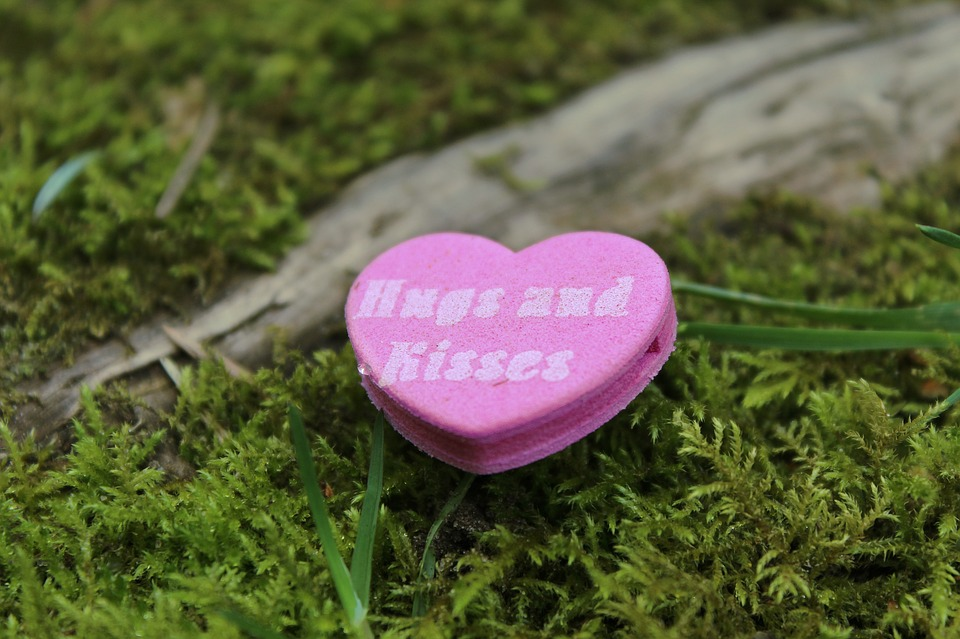 fiction-natasha-musing-hugs-and-kisses-heart