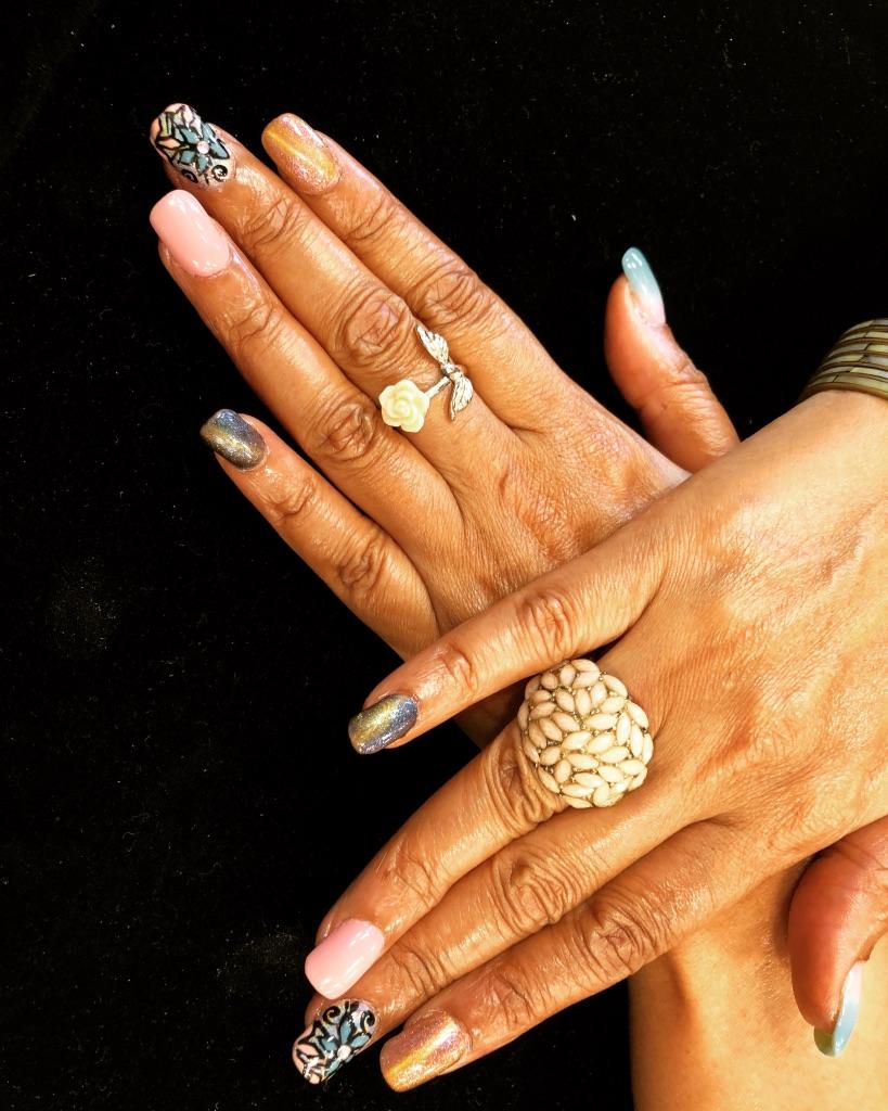 gratitude-circle-monday-musings-natasha-musing-eight-things-i-am-grateful-for-in-july-2018-nail art