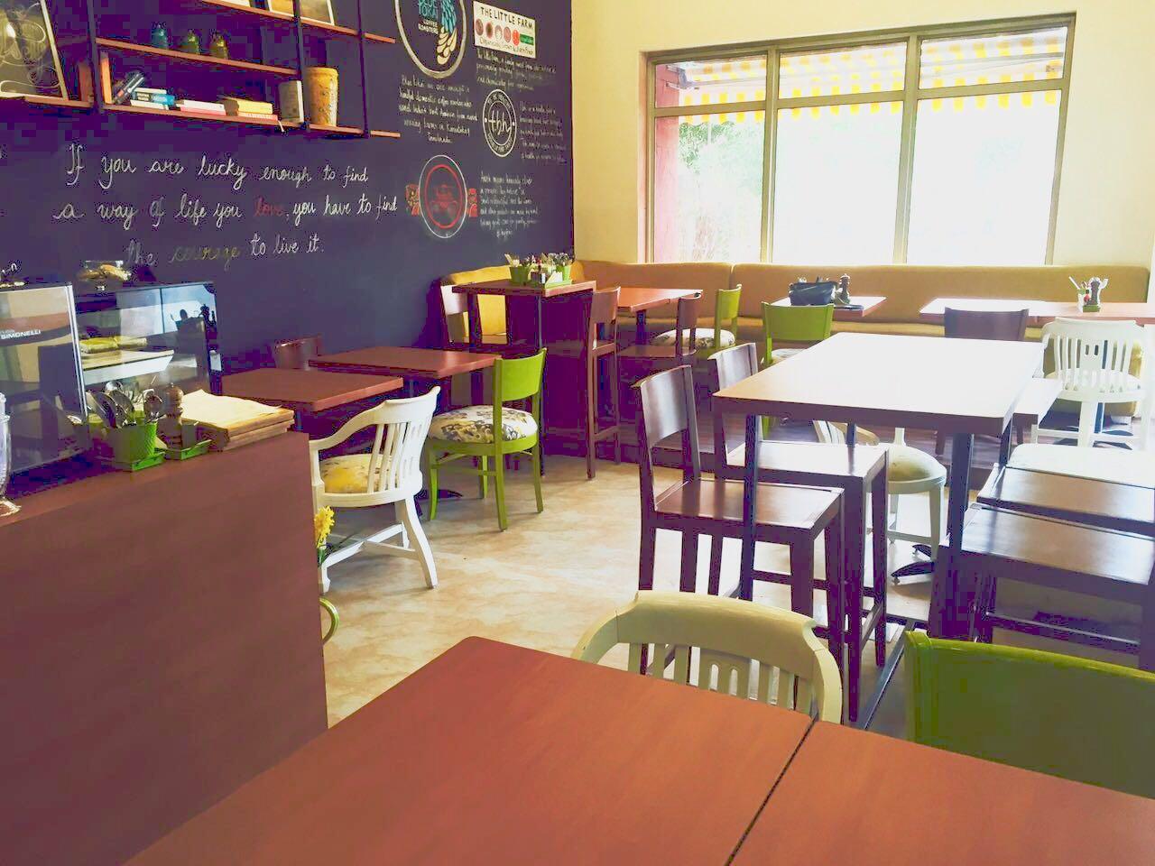 wanderlust-wednesday-natasha-musing-c'est-la-vie-thats-life-cafe